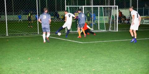 104314884100000_Campionatul de minifotbal Bucuresti Finantistii - Batranii din Academiei 32